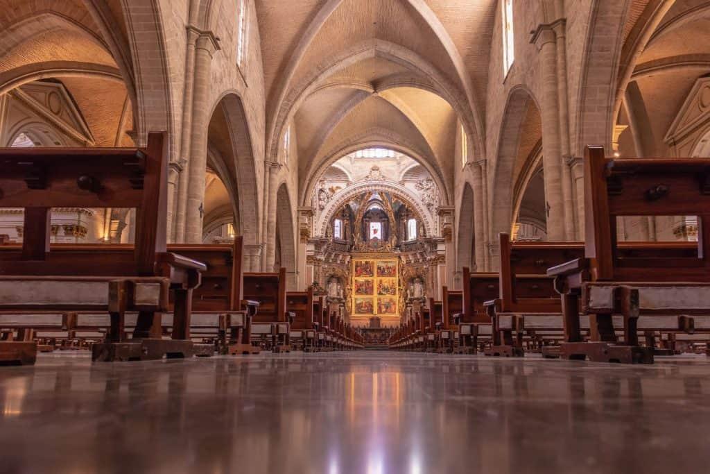 iglesia lista para boda