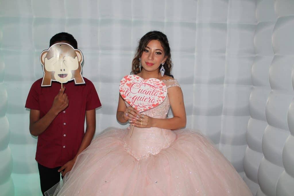 Vestidos de 15 años color Flamenco